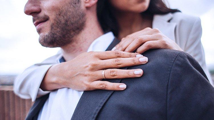 couple-embraces