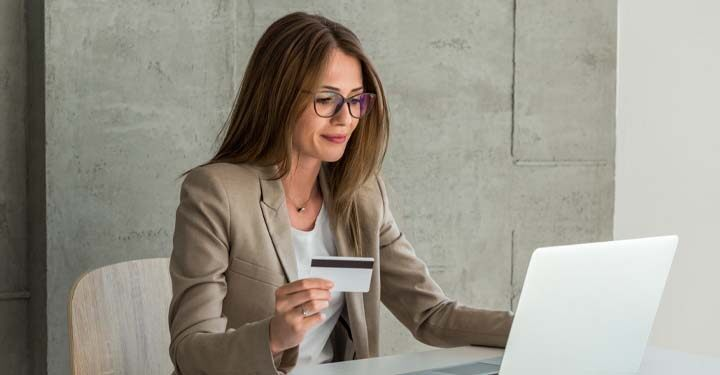 Advantage of Having a Business Credit Card